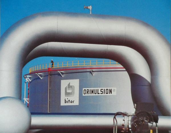 Tanque para el almacenamiento de la Orimulsión en la Planta de Producción y Emulsificación en Morichal, estado Monagas. Foto tomada del Reporte Anual de Bitor, 1995.