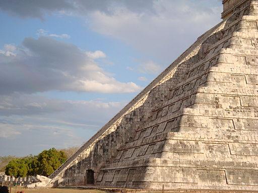 Templo de Chichén Itzá, foto tomada el 21 de marzo de 2009. Crédito: Wikipedia.