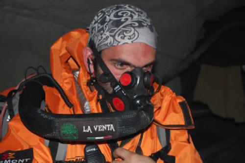 Francesco justo antes de entrar a la Cueva de los Cristales. Foto del autor.